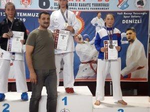 Diyarbakırlı karateci Sena'dan çifte madalya