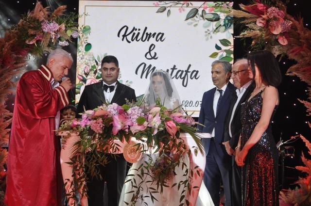 Kübra ile Mustafa mutluluğa evet dediler
