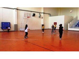 Sarıgöl'de voleybol kursuna ilgi