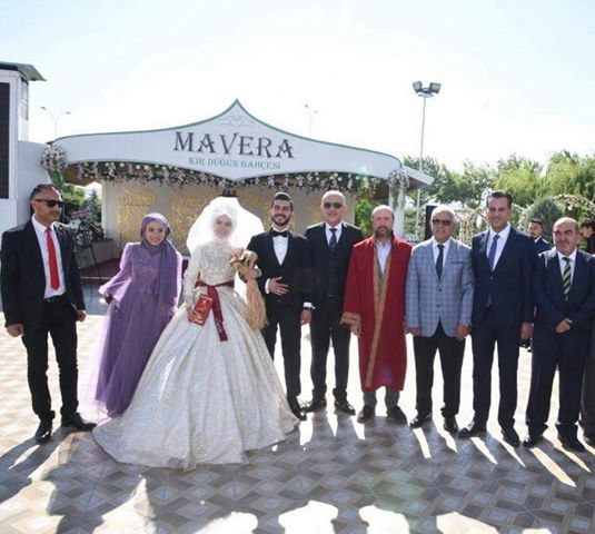 Zahide ile Ali Mete evlendi