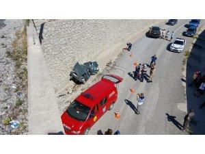 Bartın'da otomobil 10 metrelik üst geçitten uçtu: 1 ölü, 4 yaralı