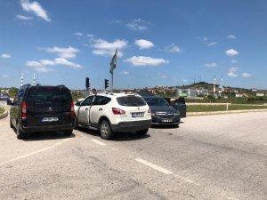Kaynarca'da iki otomobil çarpıştı: 1 yaralı