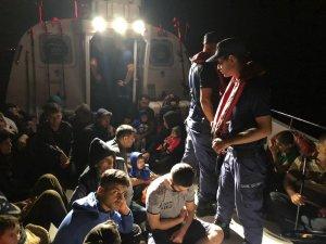 Didim'de iki ayrı operasyonda 66 kaçak göçmen yakalandı