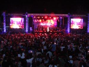 Göl Festivalinde Betül Demir konseri