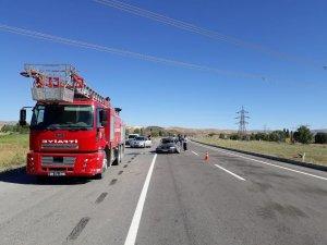 Tekeri patlayan otomobil takla attı: 3 yaralı