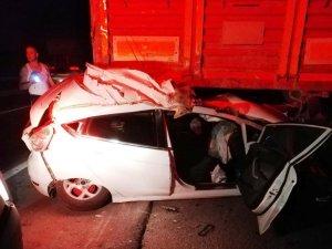 Feci kazada sürücüyü sıkıştığı yerden itfaiye ekipleri kurtardı