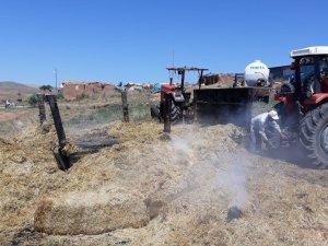 Saman yüklü traktör kül oldu