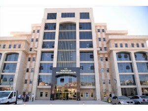 Pursaklar'da yeni belediye binası hizmete girdi
