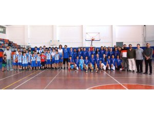 Yaz spor okullarıyla yeni sporcular keşfediliyor