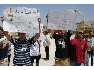 İsrail mallarının boykot edilmesi talebiyle düzenlenen gösteriye müdahale