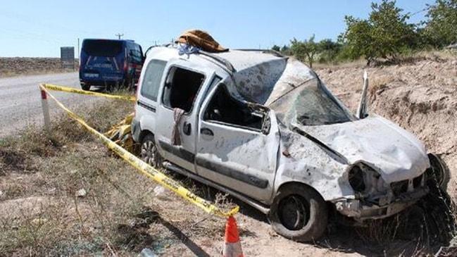 Aileyi dağıttı... Bayram tatili yolunda feci kaza!