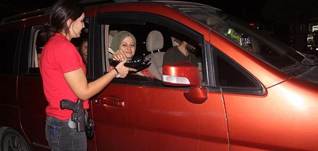 Karapınar'da polis ekipleri vatandaşlarla bayramlaştı