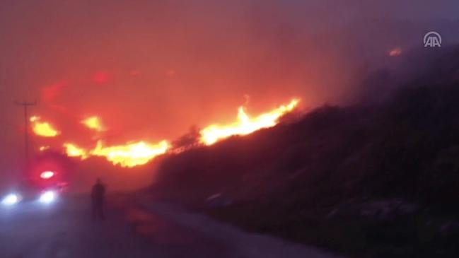 Bayram alev alev geçiyor... 15'i orman toplam 27 yangın çıktı!