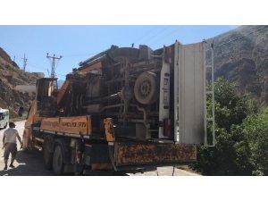 Artvin'de kamyonet şarampole yuvarlandı: 1 ölü, 1 yaralı