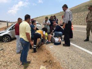 Yayladağı'nda otomobil devrildi: 6 yaralı