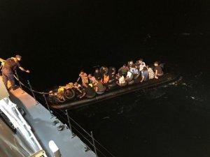 Ayvalık'ta  41 göçmen yakalandı