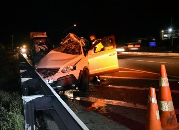 Konya'da trafik kazası: Anne-oğul öldü, baba yaralandı