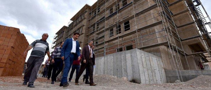 Başkan Kılca, Karatay'da devam eden okul inşaatını inceledi