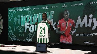 Konyaspor'da Miya imzaladı