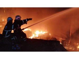 Geri dönüşüm fabrikasındaki yangın kontrol atlına alındı