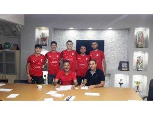 Hürriyet Spor yeni sezon için iddialı transferler yaptı