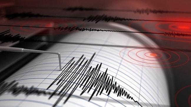 3,5 ile sallandı... Ege Denizi'nde korkutan deprem!
