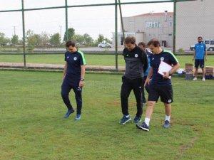Konyaspor antrenörlerinden Futbol Akademisine ziyaret