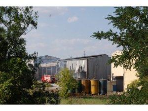 Eski yağ fabrikasında yangın