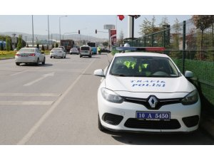 Hız yapan 265 sürücüye ceza yağdı