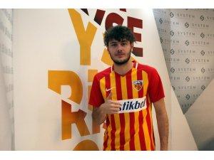 Kayserispor, Furkan Polat ile 5 yıllık sözleşme imzaladı