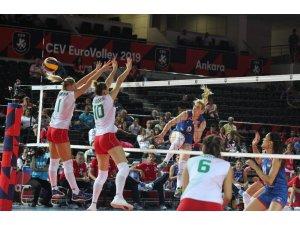2019 Kadınlar Voleybol Avrupa Şampiyonası A Grubu: Bulgaristan: 1 - Sırbistan: 3