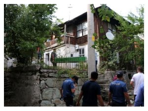 Bolu'da kötü kokuların geldiği evde yaşlı adamın cesedi bulundu