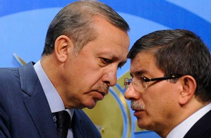 Ahmet Davutoğlu nasıl ihraç edildi? AK Parti MYK'da neler yaşandı?