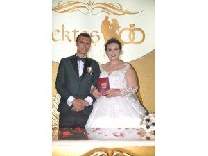 Yıldız ve Karakaya aileleri düğün mutluluğu yaşadı