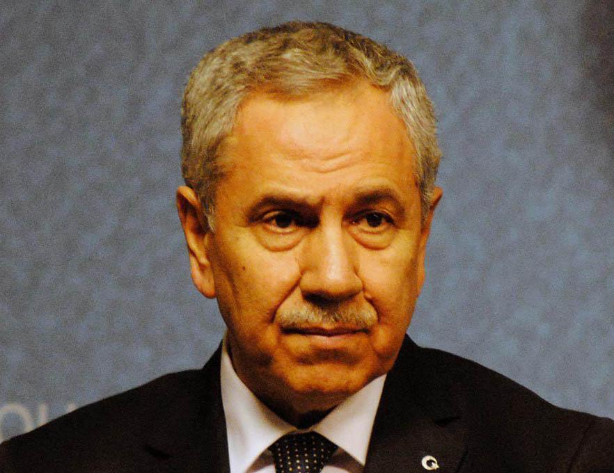 """AK Parti'de """"Bülent Arınç"""" sorunu büyüyor"""