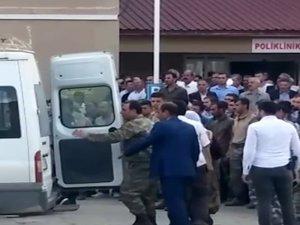 Bitlis'in Hizan ilçesinde meydana gelen trafik kazasında ilk belirlemelere göre 8 kişi hayatını kaybetti, 5 kişi yaralandı