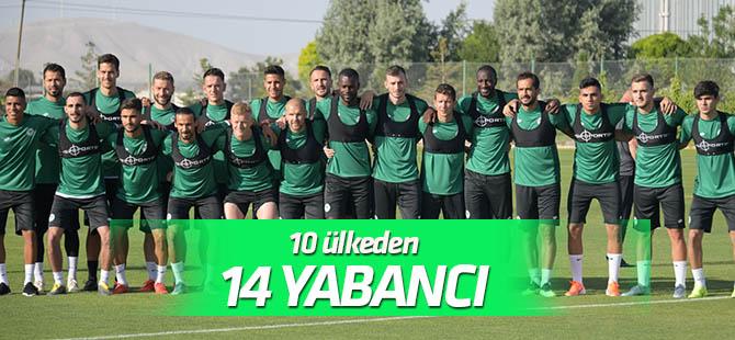 Konyaspor'da 10 ülkeden 14 yabancı futbolcu yer alıyor