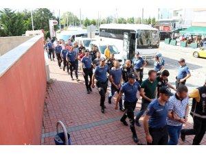 Kocaeli'de FETÖ'nün sivil yapılanmasına düzenlenen operasyonda 8 tutuklama