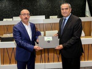 Meram Belediyesi'den muhtarlara dizüsüt bilgisayar