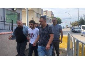GÜNCELLEME - Evinde bıçakla öldürülen kadının katil zanlısı oğlu çıktı