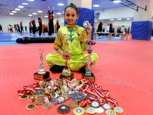 11 yaşındaki milli sporcu 7 yıla 38 madalya ve 3 kupa sığdırdı
