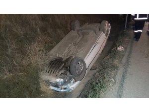 Takla atıp su kanalına düşen otomobil 120 metre sürüklendi: 2 yaralı