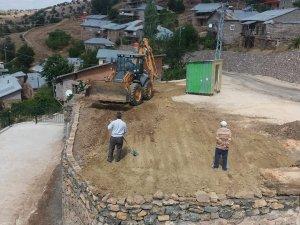 Hadim'de istinat duvarı çalışması