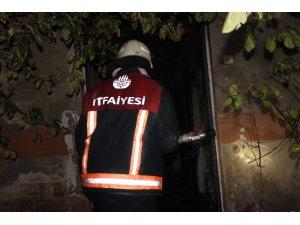 Elazığ'da ev yanıgını