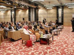 """Konya'da """"Tükenmişliği Engellemede İyi Örnekler"""" konferansı"""