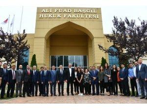 """Adalet Bakanı Abdulhamit Gül: """"Ali Fuad Başgil Hukuk Fakültesini daha da yukarıda görmek istiyoruz"""""""