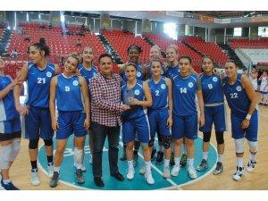 Erciyes Cup şampiyonu İzmit oldu