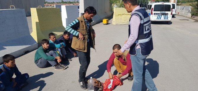 Konya'ya gelmek isteyen göçmenler yakalandı
