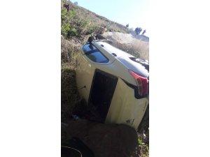 Edirne'de otomobil şarampole yuvarlandı: 3 yaralı