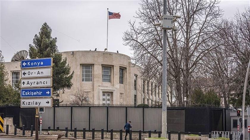 'ABD Büyükelçiliği'nin hesabını bir denyo yönetiyor'